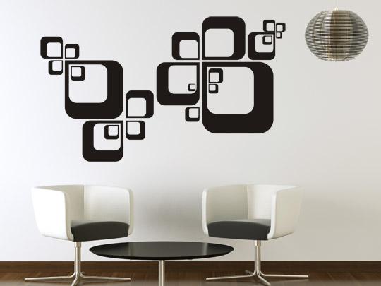 Geradliniges Wandtattoo in einer minimalistischen Wohnung
