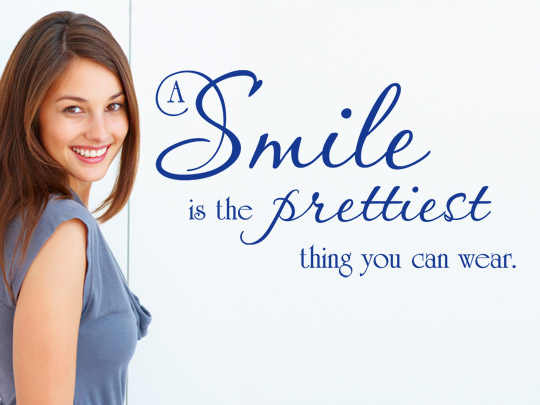 Schöner Wandtattoo Spruch zum Thema Lächeln