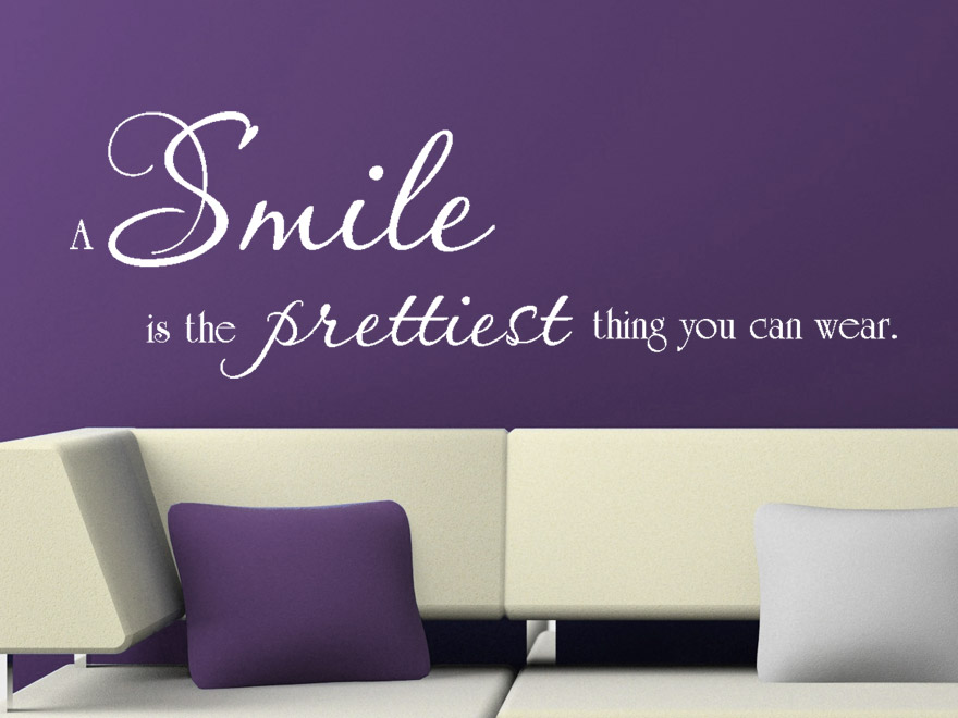 Wandtattoo A smile is the prettiest thing you can wear Wandspruch
