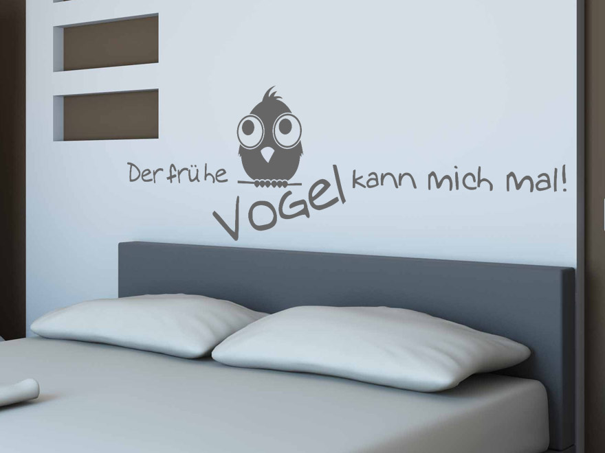 lustiges schlafzimmer wandtattoo der fr he vogel von. Black Bedroom Furniture Sets. Home Design Ideas